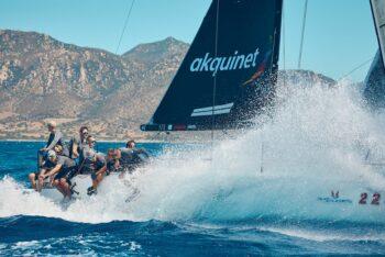 Melges World League: Heat Team startete vor der Küste Sardiniens
