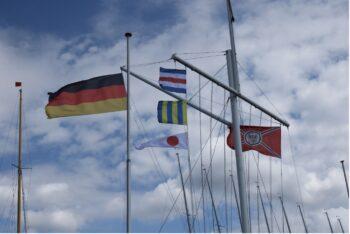 Flaggenmast Corona Pandemie